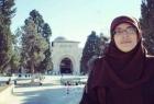 """محدث - قوات الاحتلال تفرج عن المقدسية """"خديجة خويص"""" وتسلمها قرارًا بالإبعاد عن الأقصى"""