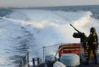 زوارق الاحتلال تطلق النار تجاه مراكب الصيادين مقابل بحر غزة