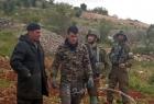 جيش الاحتلال يطرد مزارعًا وعائلته من أرضهم في بيت أمر