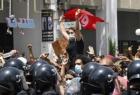 الرئيس التونسي يعلن حظر التجول و يعطل عمل الإدارات المركزية والمؤسسات العمومية