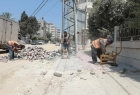 بلدية غزة تجري أعمال صيانة مؤقتة في شارع الثورة