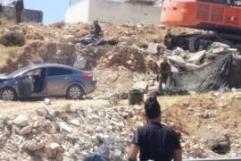 قوات الاحتلال تطلق النار تجاه فتاة قرب حاجز حزما بالقدس- فيديو وصور