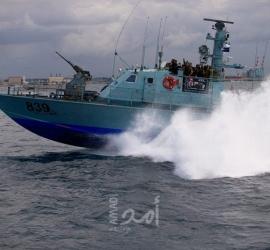غزة: قوات الاحتلال تستهدف الأراضي الزراعية وبحريته تهاجم مراكب الصيادين