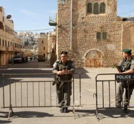 قوات الاحتلال تعتقل شاب وفتاة من الحرم الإبراهيمي بحجة حيازتهما سكين