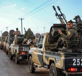 الجيش الليبي يغلق الحدود مع الجزائر ويعلنها منطقة عسكرية مغلقة