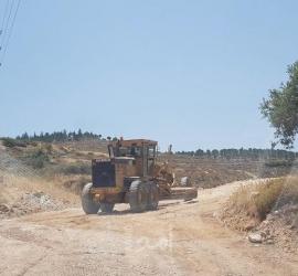 جيش الاحتلال يفكك بيتاً بلاستيكياً ويستولي عليه جنوب بيت لحم