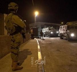 قوات الاحتلال تشن حملة اعتقالات ومداهمات واسعة في الضفة الغربية