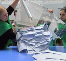 خبيرة: الديمقراطيون قاموا بمراجعة تشريعات سهلت تزوير الانتخابات لصالحهم - فيديو