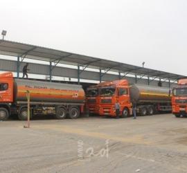 إعلام عبري: إطلاق صواريخ من غزة بعد هدوء لإدخال الوقود بتنسيق دولي إلى القطاع