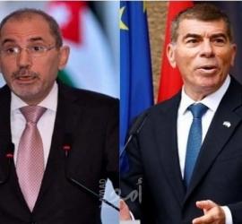 """الصفدي يلتقي أشكنازي ويؤكد: اتفاقيات السلام ليست بديلا عن """"حل الدولتين"""""""