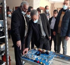 اقتصاد حماس وديوان المظالم يتفقدان مصنع بلبل ويستمعون للعقبات التي تواجه الصناعات الوطنية