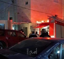 """طواقم الدفاع المدني بالقدس تخمد نيران اندلعت في منزل بـ""""أبو ديس"""""""
