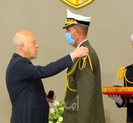 الرئيس التونسي يعلن نفسه قائداً أعلى لقوات الجيش والأمن.. والمشيشي: كلام خارج عن السياق