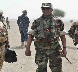 """""""جون أفريك"""" تكشف تفاصيل الساعات الأخيرة للرئيس التشادي ديبي في ساحة القتال"""