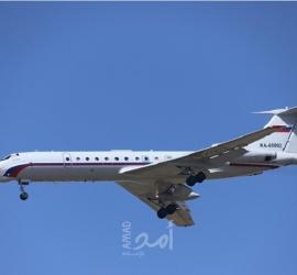 ربط شاب بمقعد الطائرة إثر اعتدائه على المسافرين!