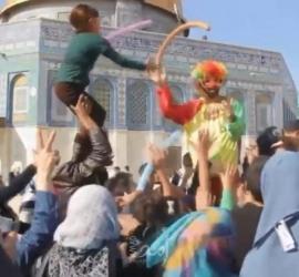 محمد زين.. مقدسي زيّن الأقصى بالفرح والابتسامة دعماً لصمود مرابطيه - صور