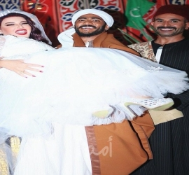 أحمد سعد يكشف كواليس مشهد زواج سمية الخشاب ومحمد رمضان -فيديو
