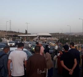 أكثر من 90 ألف فلسطيني في باحات المسجد الاقصى لإحياء ليلة القدر - صور وفيديو