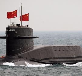 """الصين ترسل غواصة نووية """"تصل أمريكا"""" بأعماق المحيط خلال انشغال العالم بالصاروخ التائه"""