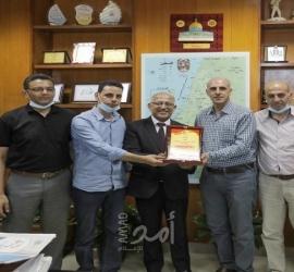 الشعبية تشيد بدور بلدية غزة خلال العدوان الأخير
