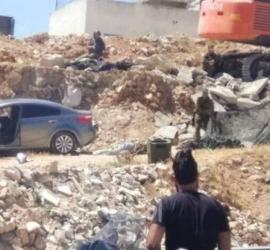 قوات الاحتلال تطلق النار تجاه فتاة قرب حاجز حزمة بالقدس- فيديو وصور
