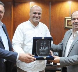 أمين عام اتحاد الصحفيين العرب يستقبل وفد فلسطين الإعلامي