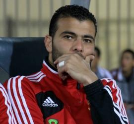 تضامن واسع مع عماد متعب بعد الحديث عن معاناته من مشاكل صحية