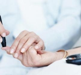 كيف تتحكم فى مستويات السكري من المنزل