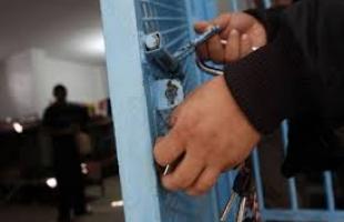 مزهر: الأجهزة الأمنية في غزة تفرج عن 4 معتلقين بعد تدخل من الشعبية
