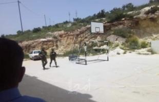 سلطات الاحتلال تواصل مداهمات منازل المواطنين في وادي الحمص بالقدس
