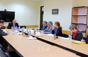 أبو مويس يشيد بدعم ألمانيا للتعليم المهني والتقني