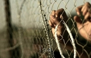 الأسرى: شريحة خبز باللبنة إفطار معتقلي عصيون أول أيام رمضان