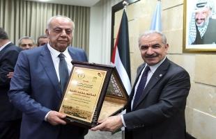 أشتية يستقبل وفداً من الهيئة الوطنية للمتقاعدين العسكريين
