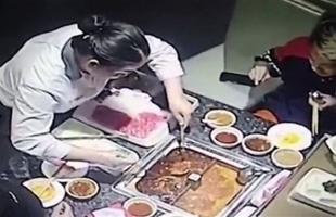بالفيديو .. استعراض في مطعم يتحول لكارثة