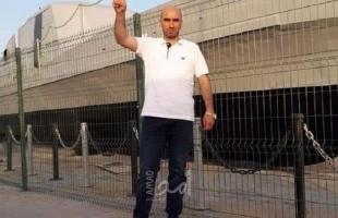 الخليل: الأسير حسن العويوي يفك إضرابه عن الطعام