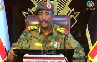رئيس المجلس الانتقالي السوداني يصل إلى تشاد في زيارة رسمية