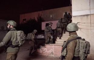 بالأسماء.. قوات الاحتلال تعتقل (4) مواطنين بينهم أسرى محررين خلال مداهمات في الضفة