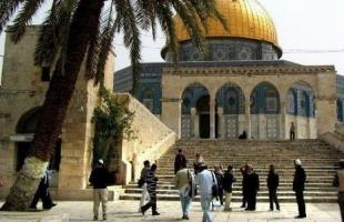 سلطات الاحتلال تبعد ثلاثة شبان عن المسجد الأقصى لمدة أسبوعين