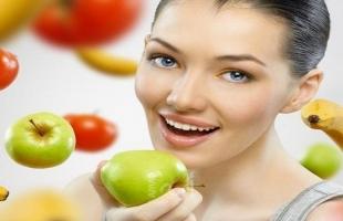 أفضل أطعمة  لتعزيز نمو الشعر