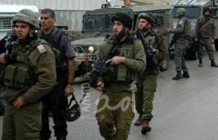 قناة عبرية: الجيش الإسرائيلي عاجز عن الإمساك بطرف خيط لاعتقال ملقي حجر يعبد