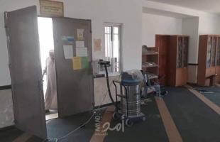 بالصور- لصوص يسرقون صندوق للتبرعات في مسجد غرب رام الله