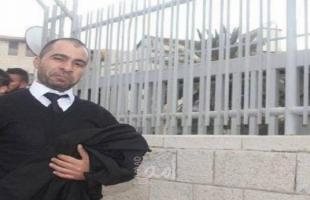 """إدارة معتقل """"نفحة"""" تقمع محامي الهيئة الأسير طارق برغوث"""