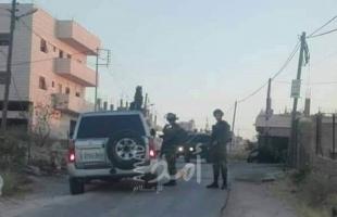 مستوطنون برفقة جنود الاحتلال يقتحمون مخزنا لعائلة مقدسية