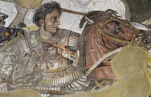 """""""ملك الملوك"""" لم يخسر معركة في تاريخه .. وحفظ جسده في العسل بعد وفاته"""