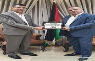 الوزير قطامي يكرم مجموعة وافا الدولية للتنمية لدورها في دعم المبادرات الشبابية