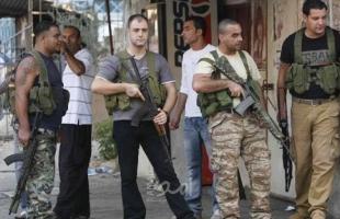 """بالفيديو.. تجدد الاشتباكات في مخيم """"عين الحلوة"""" وفرار """"العرقوب"""" من فتح"""