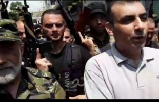 """فيديو- مسيرة بقيادة اللينو ومقدح تجسد """"وحدة فتحاوية"""" في عين الحلوة لمواجهة الإرهاب"""
