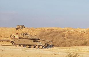 """طائرات ومدفعية الاحتلال تستهدفان """"نقطة عسكرية"""" شرق بيت حانون"""