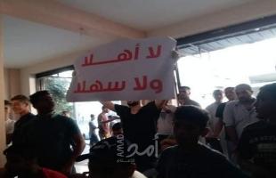 """عائلات غزية تواصل رفض استقبال هنية.. ومختار عشيرة لــ """"أمد"""": سنستقبلهم رغم غضب الشباب من حماس!"""