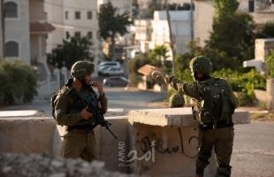 قوات الاحتلال تقتحم منزل أسير في بيرزيت وتأخذ مقاساته